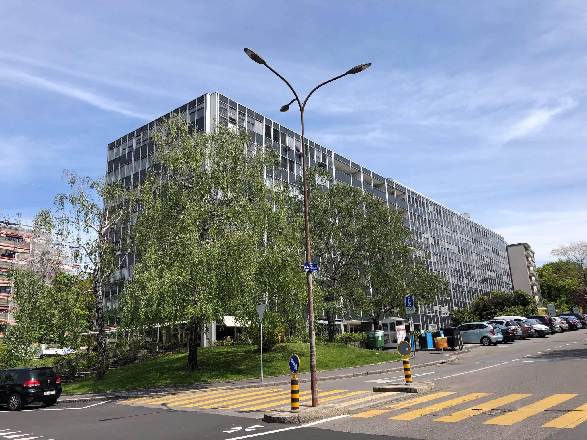 Bureau rue Pédro-Meylan
