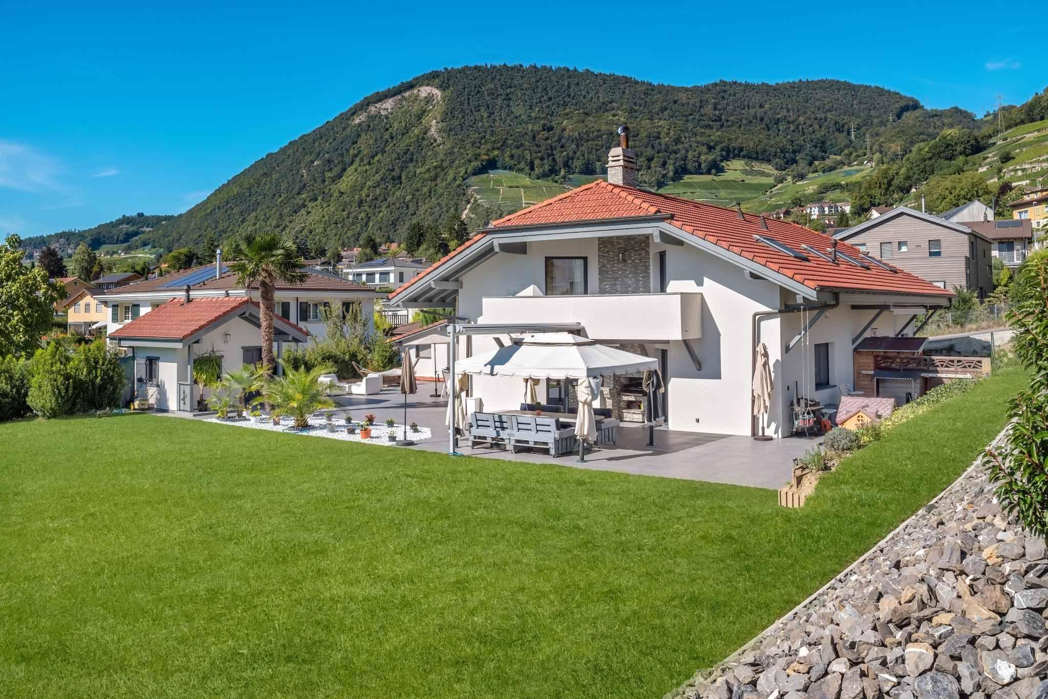 Villa individuelle de 6.5 pièces et 2.5 pièces indépendant