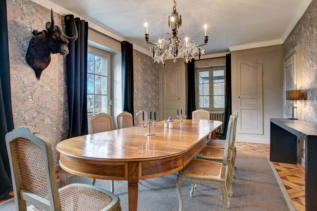 Totally renovated mansion house