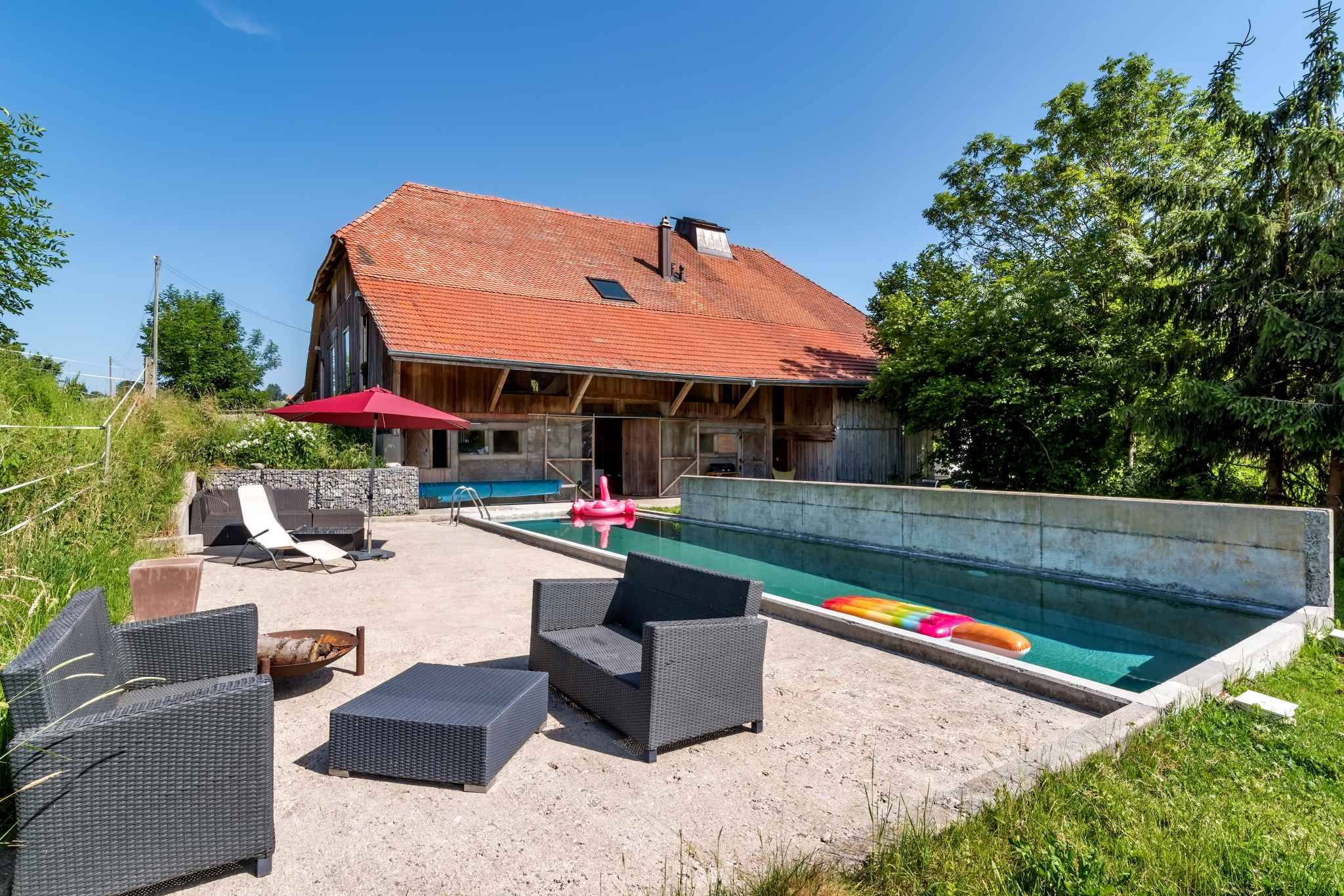 Renovated riding farm of 8.5 rooms with lofts