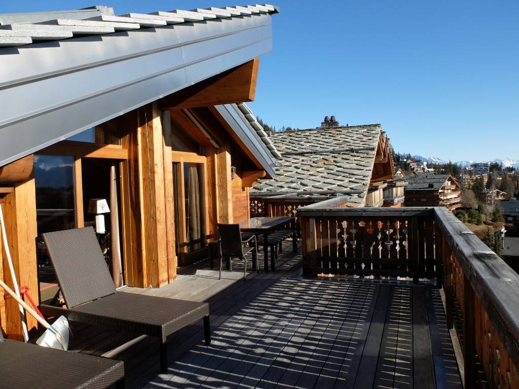 Luxurious 175 sq m attic with stunning view of Alps